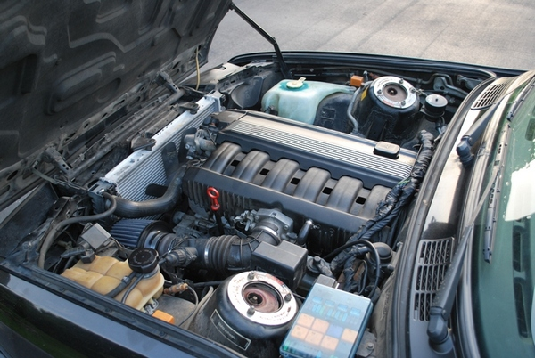BMW e325is с M50